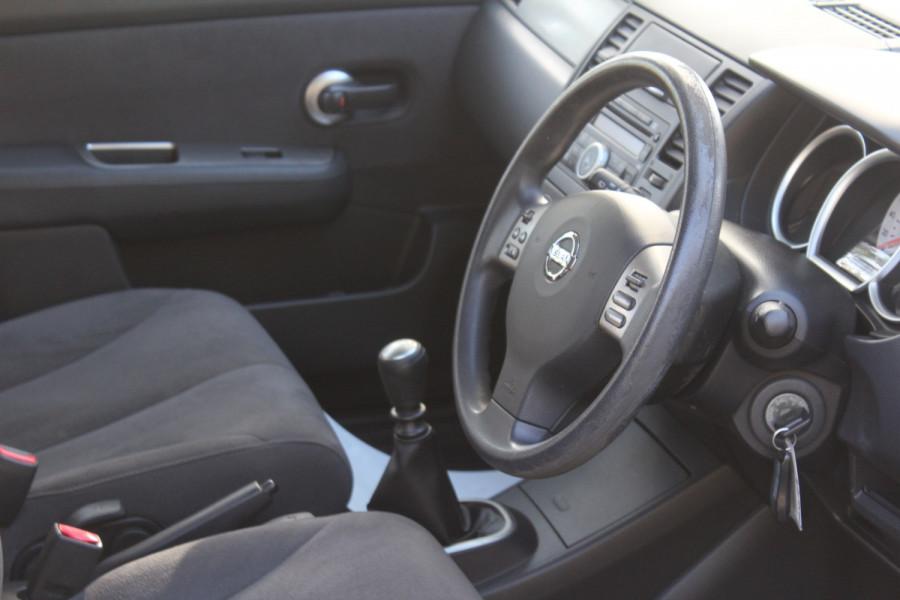 2011 Nissan Tiida C11 S3 ST Hatchback Image 11