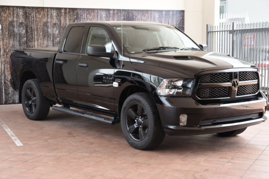2019 Ram 1500 (No Series) Express Black Pack Utility crew cab