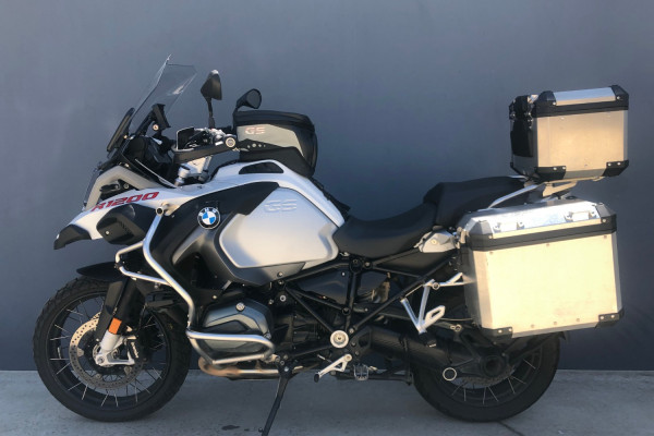 2016 BMW R1200GS Adventure Low Suspension Motorcycle Image 4