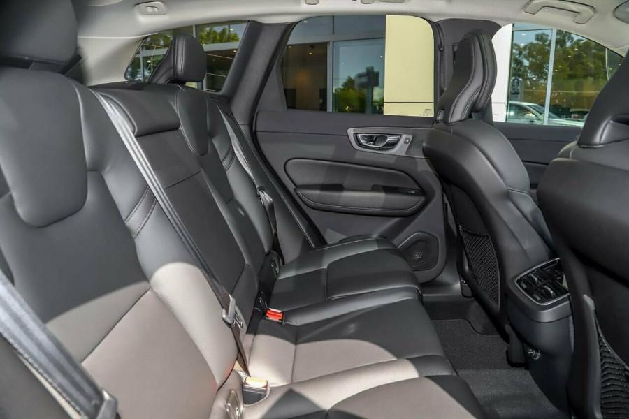 2019 Volvo XC60 UZ T5 Momentum Suv Mobile Image 17
