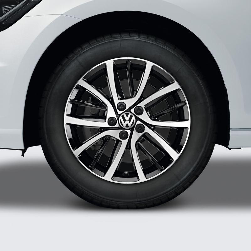 """17"""" Blade alloy wheel"""