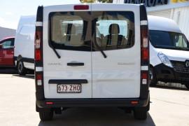 2019 Renault Trafic L1H1 Short Wheelbase Single Turbo Van Image 4