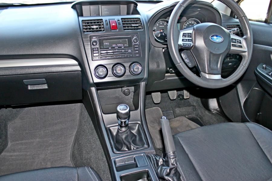 2014 Subaru Impreza G4  2.0i Sedan Image 11