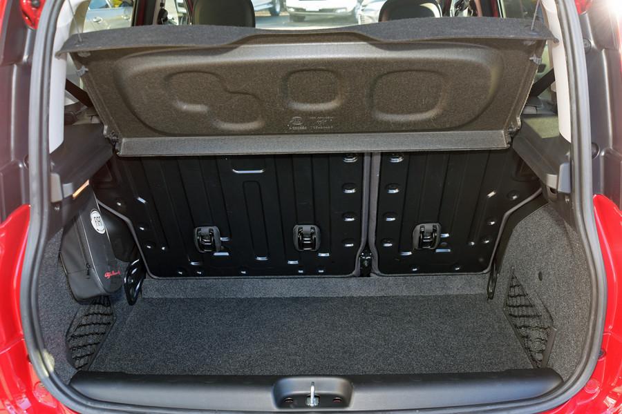 2013 Fiat Panda 150 Lounge Hatchback Mobile Image 8