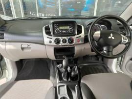2012 Mitsubishi Triton MN  GL-R Utility image 13