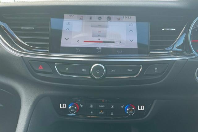 2018 Holden Calais Liftback 15 of 20