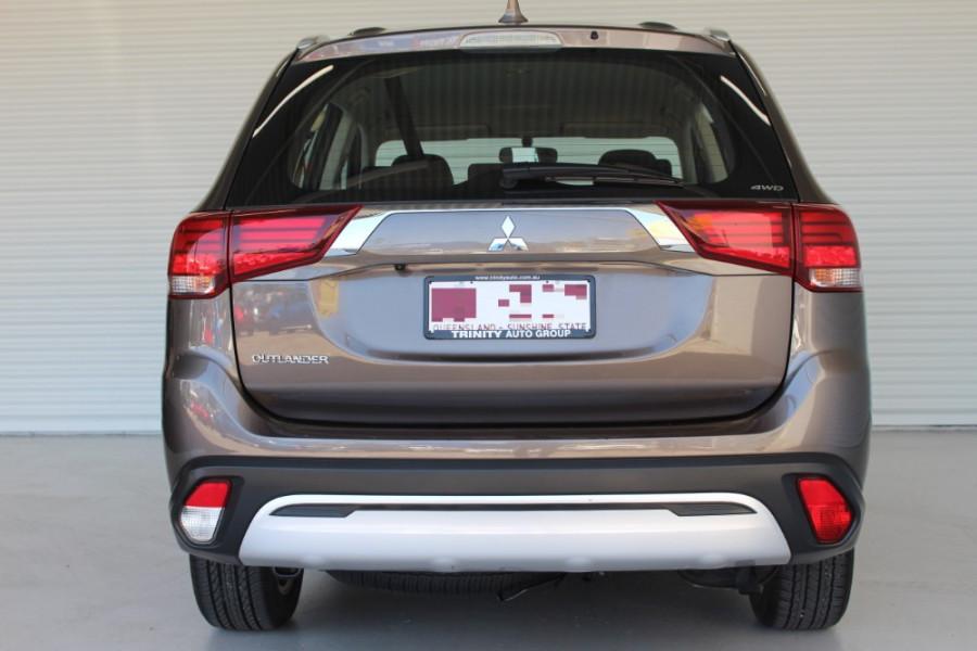 2018 MY19 Mitsubishi Outlander ZL ES Suv Image 6
