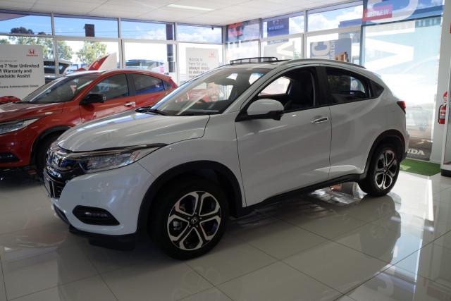 2019 MY20 Honda HR-V VTi-LX Suv Image 3