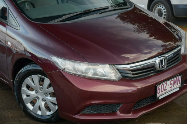 2012 Honda Civic 9th Gen Ser II VTi Sedan Image 2