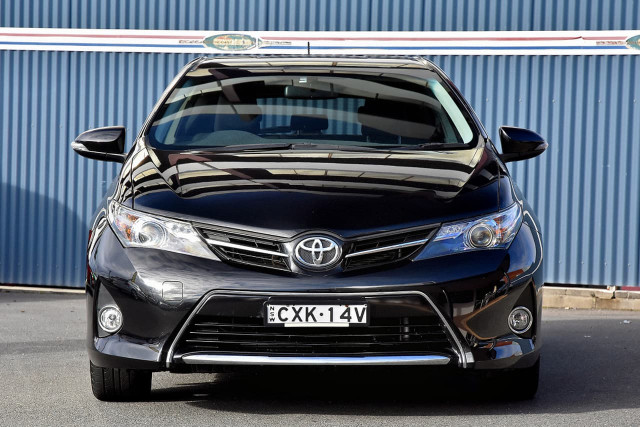 2015 Toyota Corolla ZRE182R Ascent Hatchback Image 3