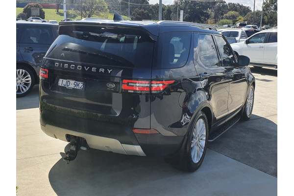 2017 Land Rover Discovery SERIES 5 L462 MY17 TD6 Suv Image 4