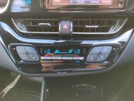 2017 Toyota C-hr NGX50R Koba Suv image 22