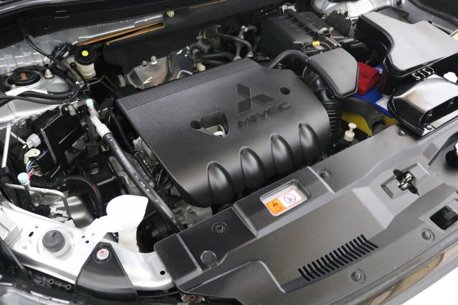2018 MY18.5 Mitsubishi Outlander ZL MY18.5 ES Suv Image 20
