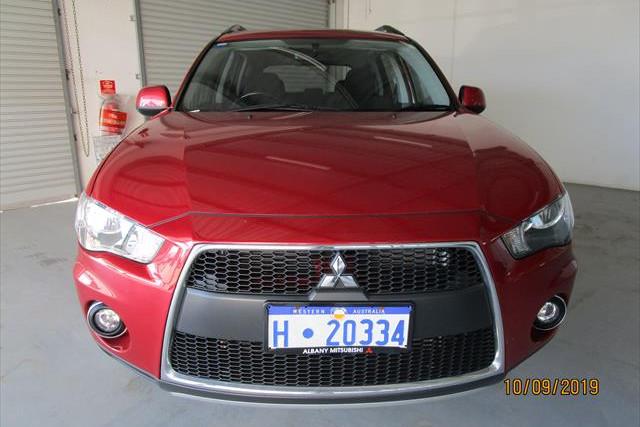 2011 Mitsubishi Outlander ZH  LS Suv Image 2