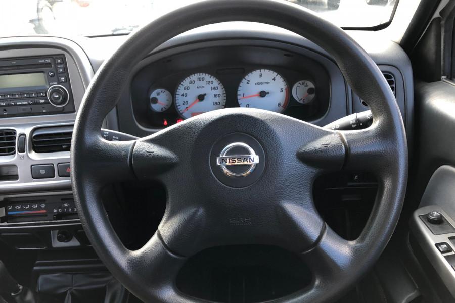 2003 Nissan Navara D22 S5 ST-R Utility