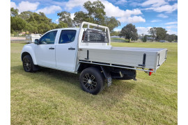 2017 Isuzu UTE D-MAX 4x2 SX Crew Cab Chassis High-Ride Cab chassis Image 5