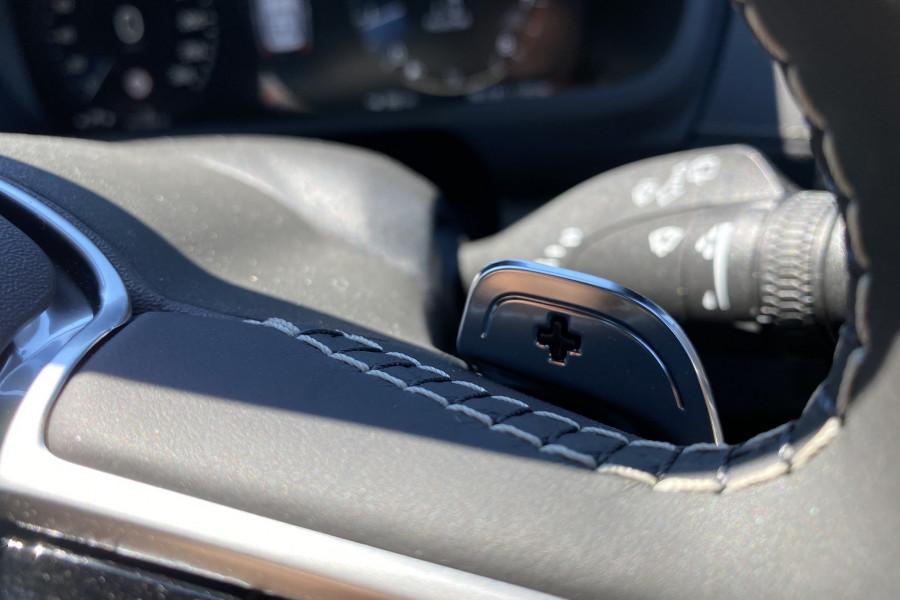 2020 Volvo XC90 L Series T6 R-Design Suv Mobile Image 13