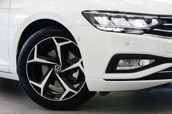 2021 Volkswagen Passat B8 140 TSI Business Sedan Image 4