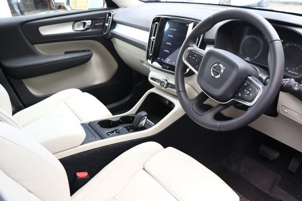 2019 Volvo Xc40 (No Series) MY20 T4 Momentum Suv Image 5