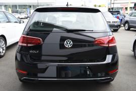 2019 Volkswagen Golf 7.5 110TSI Comfortline Hatchback Image 4