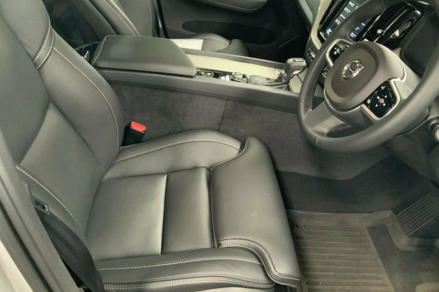 2018 MY19 Volvo XC60 246 MY19 T5 Inscription (AWD) Suv Mobile Image 20