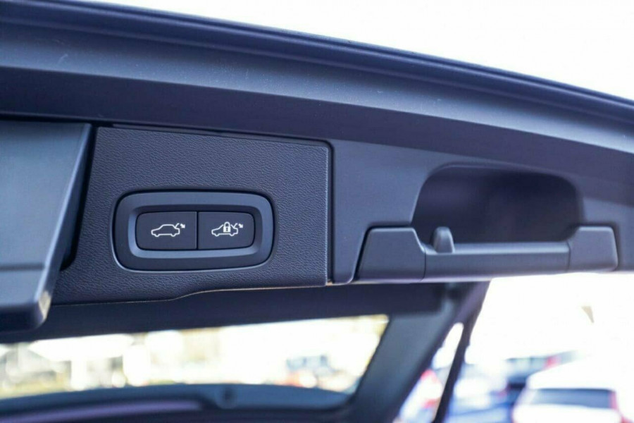 2019 MY20 Volvo XC60 UZ D4 Momentum Suv Image 20