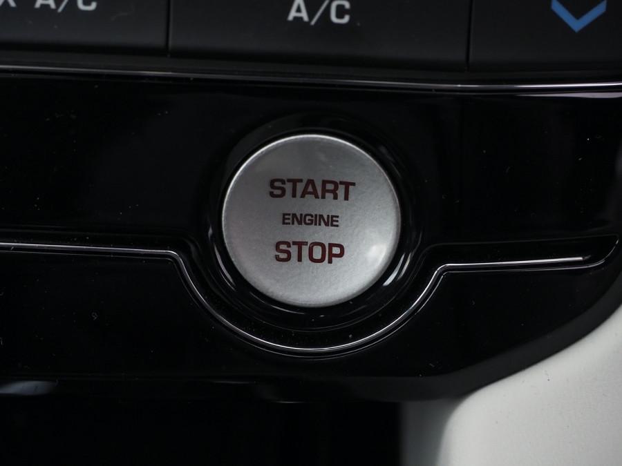 2020 Jaguar F-pace Suv Image 25