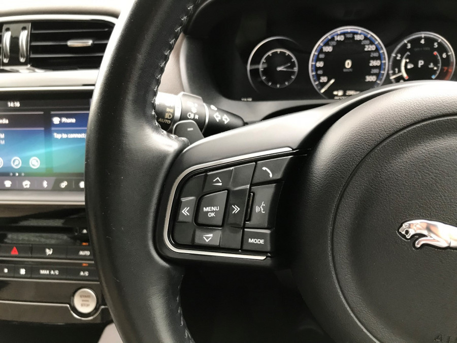 2016 MY17 Jaguar F-pace X761 MY17 35t Suv Image 15