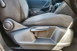 2016 MY17 Volkswagen Tiguan 5N MY17 132TSI Suv Image 5
