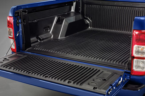 "<img src=""Bed and Tailgate Liner - Under Rail - without load rest"