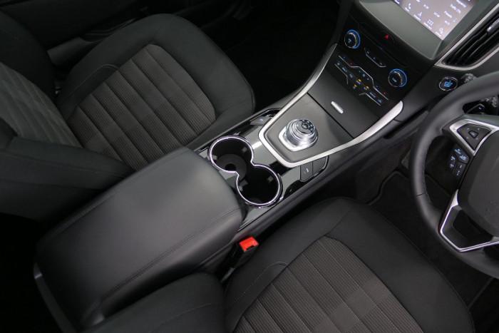 2018 MY19 Ford Endura CA Trend Suv Image 6