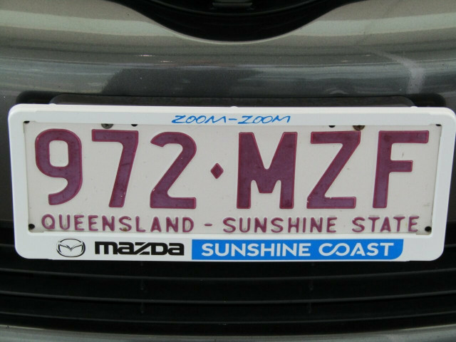 2010 [SOLD]    Mobile Image 9