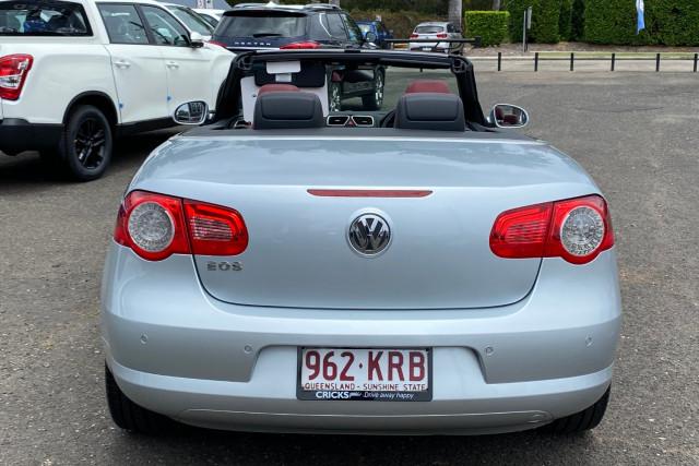 2007 Volkswagen Eos 1F TDI Convertible Image 4