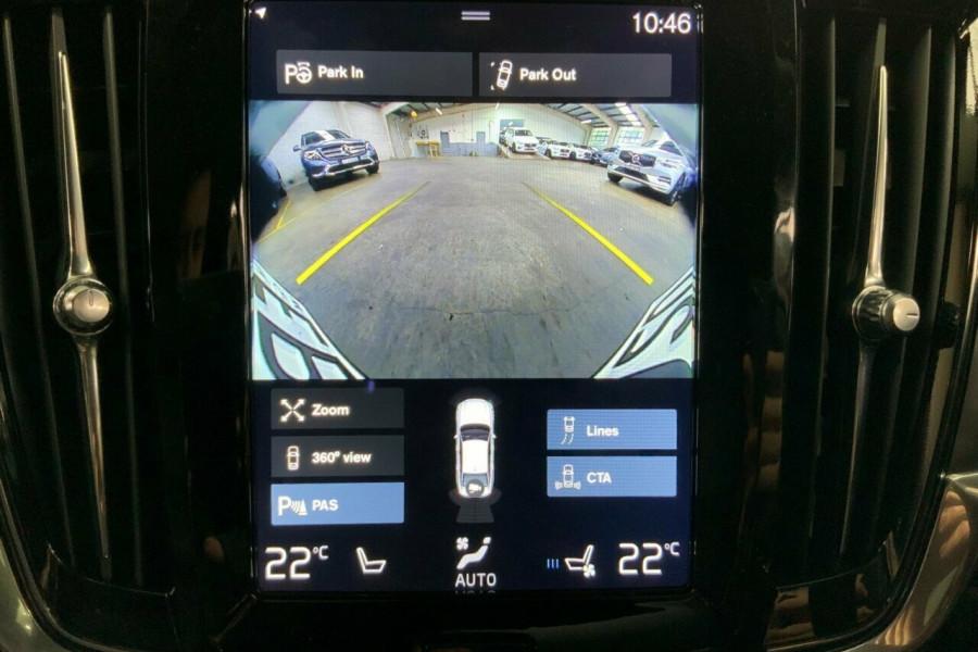 2016 MY17 Volvo S90 P Series T5 Momentum Sedan Mobile Image 10