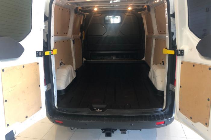 2016 Ford Transit Custom VN 330L Van Image 9