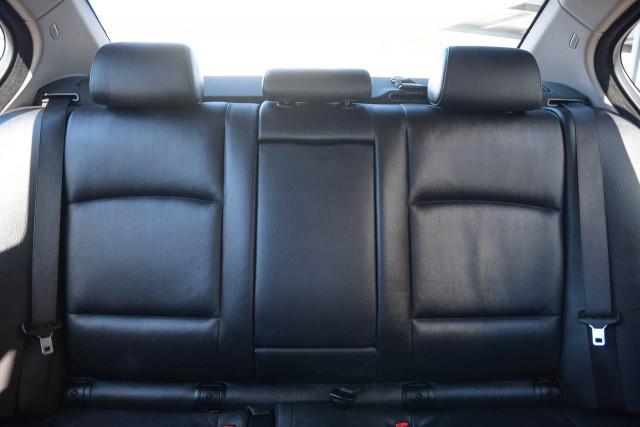 2012 BMW 5 Series F10 MY12 520d Sedan Image 21