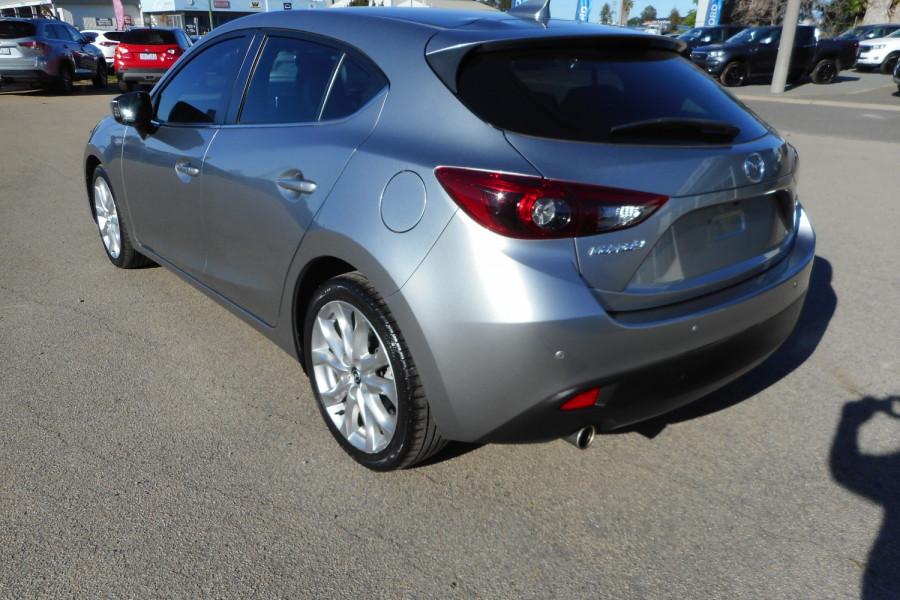 2015 Mazda 3 Hatchback Image 6