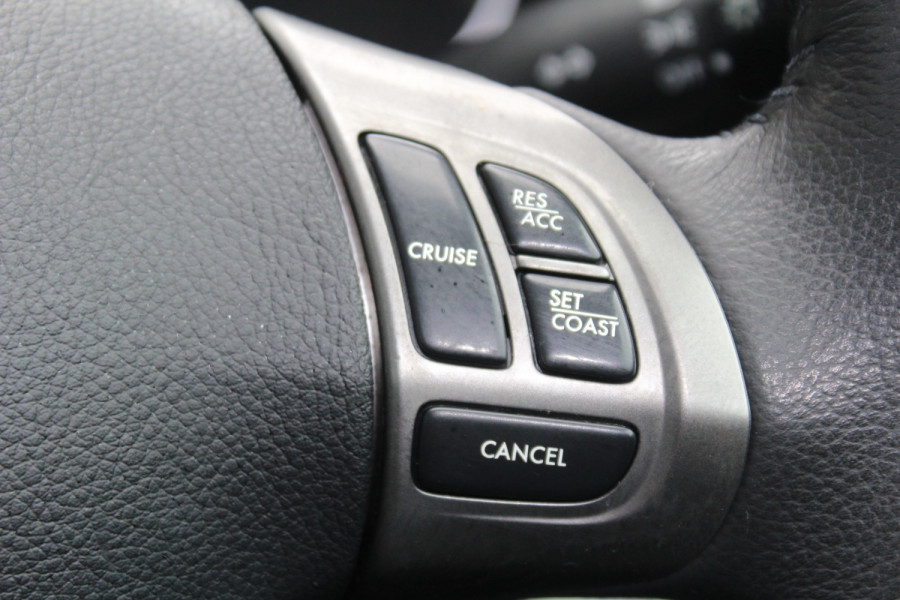 2011 Subaru Impreza G3  R Special Ed Hatchback Image 18