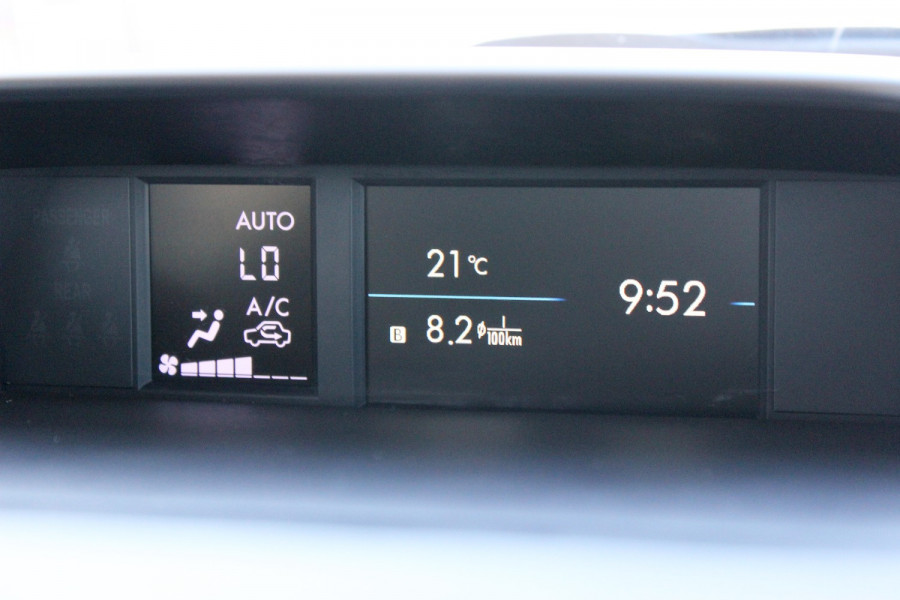 2014 Subaru Impreza G4  2.0i Sedan Image 13