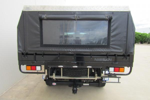 2012 Nissan Patrol GU 6 SERIES II ST Cab chassis Image 4