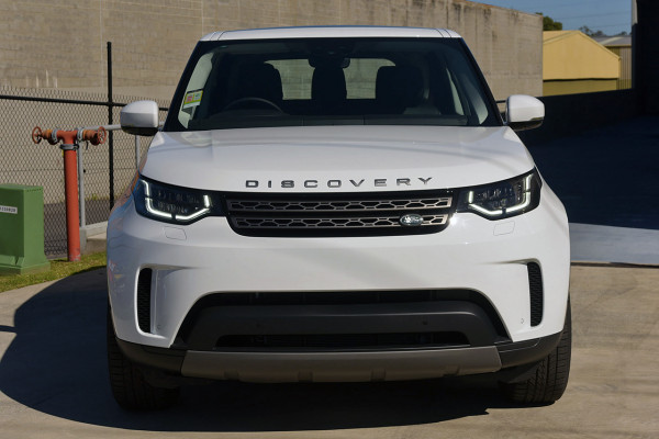 2019 Land Rover Discovery Series 5 SE Suv Image 3