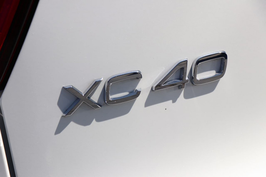 2020 Volvo XC40 XZ T4 Inscription Suv Mobile Image 22