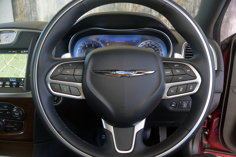 2019 Chrysler 300 C LUXURY 3.6L 8Spd Auto Sedan Mobile Image 11