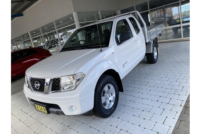 2008 Nissan Navara D40 RX Cab chassis - extended cab