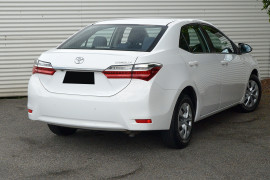 2016 Toyota Corolla ZRE172R ASCENT Sedan image 2