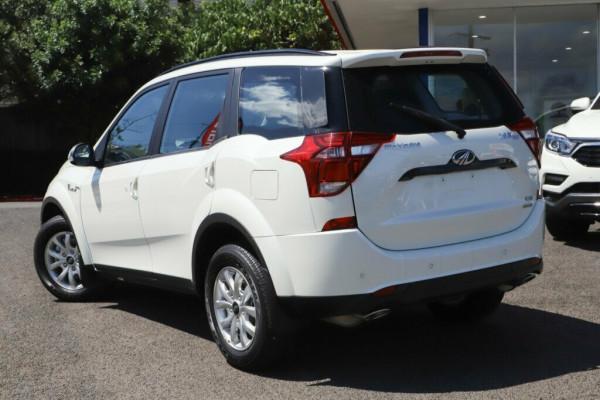 2019 Mahindra XUV500 W6 FWD Suv Image 4
