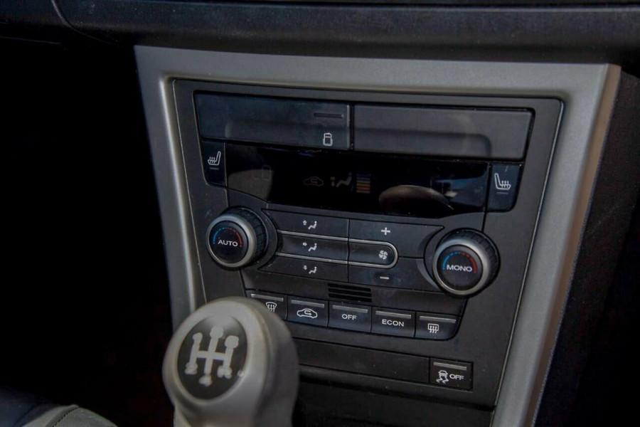 2013 MG MG6 IP2X GT Luxury Hatchback Image 11