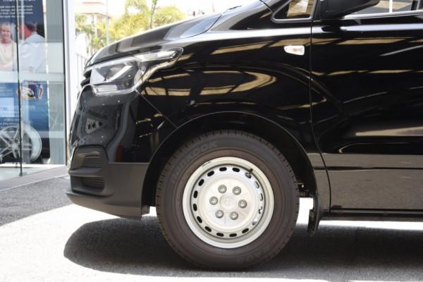 2019 Hyundai iLoad TQ4 Van Van Image 5