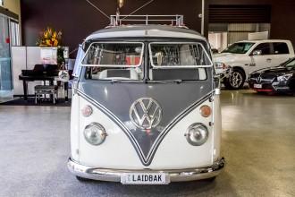 1966 Volkswagen Kombi Transporter Type 1 Double Door Van Image 4