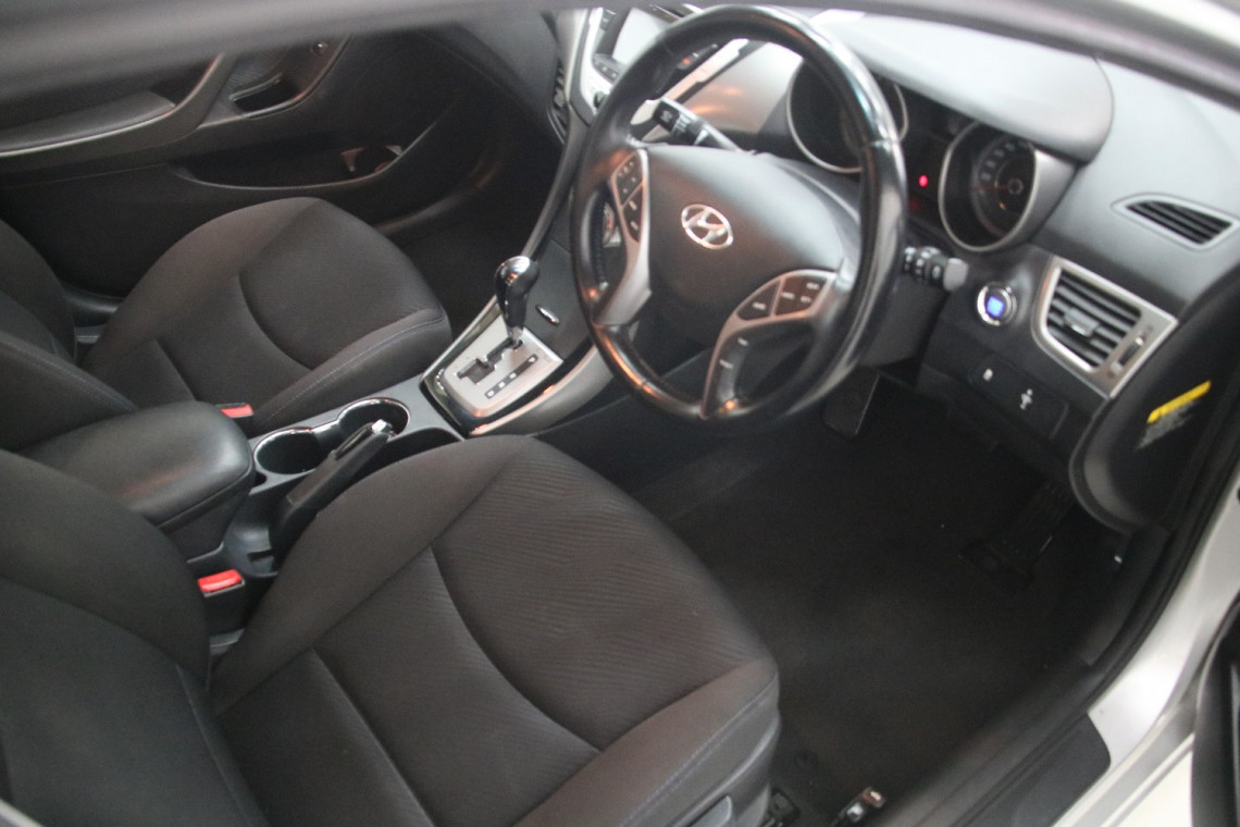 2012 Hyundai Elantra 4dr Sed 1.8lt Atm 02 MD ELITE Sedan
